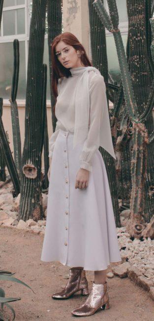 05_Bridal19_Pedro-Pires_vestido-novia-blusa-lazo-falda-botones