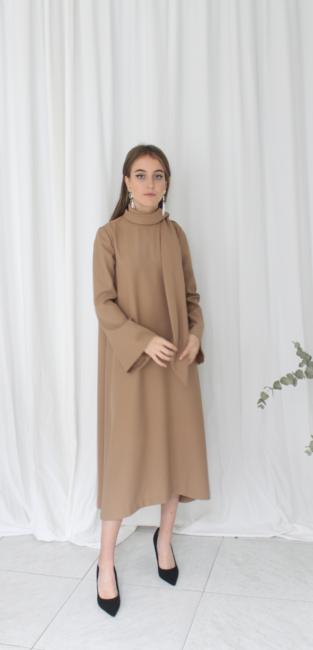 06-vestido-camel-lazada-invitada-pedro-pires